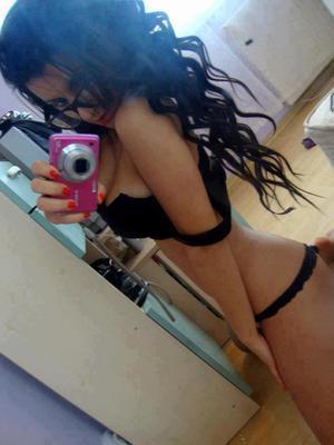 Vanita is looking for adult webcam chat