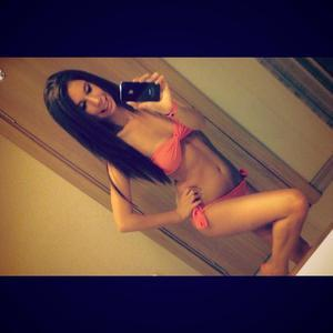 Lashell from Deering, Alaska is looking for adult webcam chat