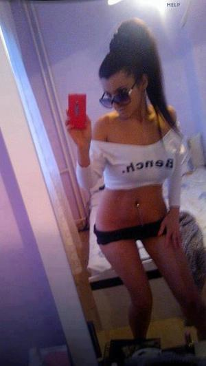 Celena from Touchet, Washington is looking for adult webcam chat