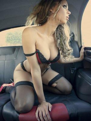 Aura from Newsoms, Virginia is looking for adult webcam chat