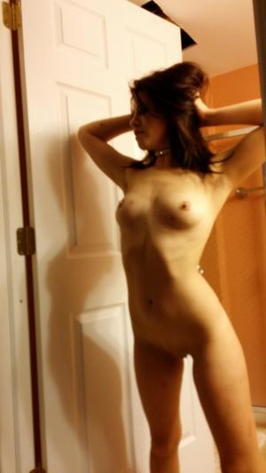 Chanda from Aleknagik, Alaska is looking for adult webcam chat