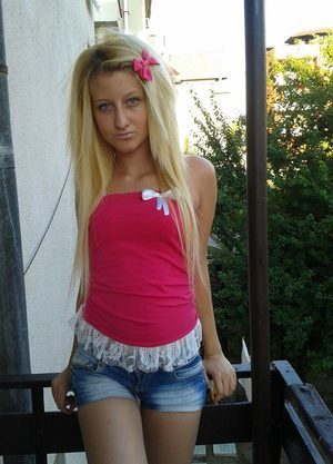 Loyce from  is interested in nsa sex with a nice, young man