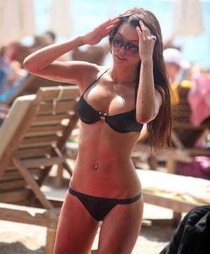 Annabelle is looking for adult webcam chat