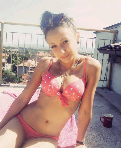 Nguyet is looking for adult webcam chat
