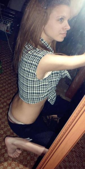 Jeanett from South Carolina is looking for adult webcam chat