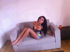 Ellyn from  is looking for adult webcam chat