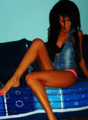 Lizette is looking for adult webcam chat
